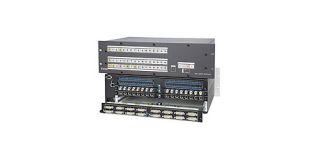 Grille de commutation DVI D 8x8 Extron